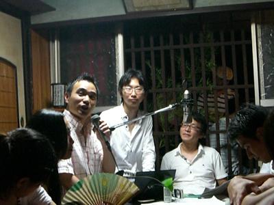 左から、マイクを持つ児玉さん、福野さん、勝屋さん